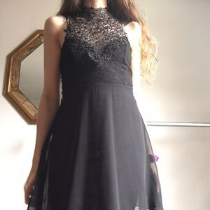 1861 dress with lace